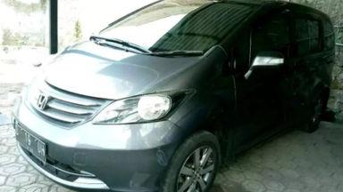 2010 Honda Freed PSD AT - Bekas Berkualitas (s-0)