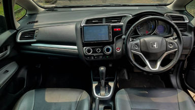 2016 Honda Jazz RS - Mobil Pilihan (s-4)