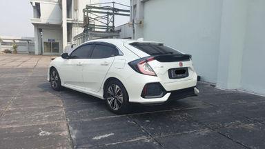 2017 Honda Civic Turbo 1.5 Hatchback S - Harga Bisa Digoyang (s-6)