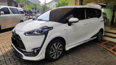 2017 Toyota Sienta Q - Mobil Pilihan (s-0)