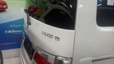 2015 Daihatsu Luxio X - Harga Menarik Antik Mulus Terawat (s-3)