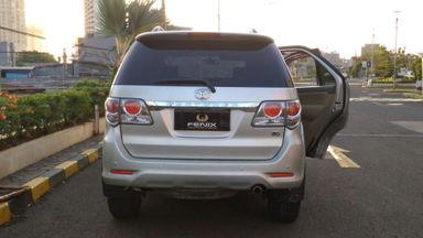 2013 Toyota Fortuner V - Kondisi Bagus Siap Pakai (s-3)