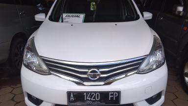 2015 Nissan Grand Livina 1.5 XV MT - Istimewa KM Antik (s-0)