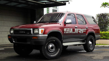 1993 Toyota Hilux Surf AT 4X4 - colector item (s-0)