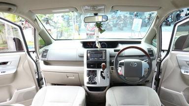 2013 Toyota Nav1 V lux - Terawat (s-5)