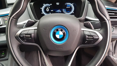 2015 BMW i i8 HYBRID - Kondisi Istimewa (s-11)
