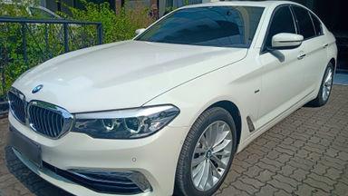 2018 BMW 5 Series 530i Luxury - Istimewa