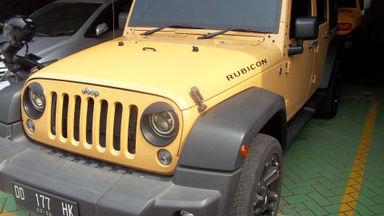2014 Jeep Wrangler Unlimited Rubicon LWB - SUV tulen, siap offroad
