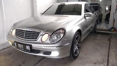 2003 Mercedes Benz E-Class E260 - mulus terawat, kondisi OK, Tangguh