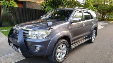 2009 Toyota Fortuner G - Barang Mulus Siap Pakai (s-0)