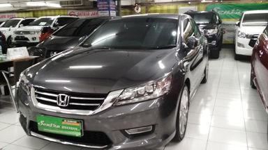2013 Honda Accord VTIL 2.4 - Low Kilometer (s-0)
