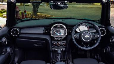 2017 MINI Cabrio Convertable - Mobil Pilihan (s-4)
