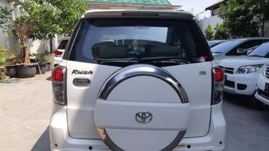 2013 Toyota Rush S - Kondisi Istimewa (s-9)