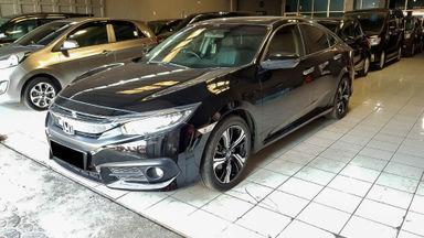 2016 Honda Civic ES Turbo - Mobil Pilihan