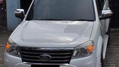 2011 Ford Everest XLT - Mulus Pemakaian Pribadi dan Istimewa Terawat (s-9)