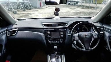 2014 Nissan X-Trail 2.5 AT - Mobil Pilihan (s-5)