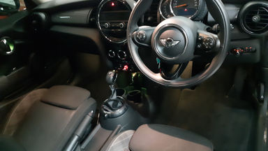 2017 MINI Cooper S 1.5 - Like new (s-1)