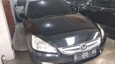 2004 Honda Accord MT - mulus terawat, kondisi OK, Tangguh (s-5)