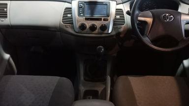 2011 Toyota Kijang Innova Venturer G - bekas berkualitas (s-2)