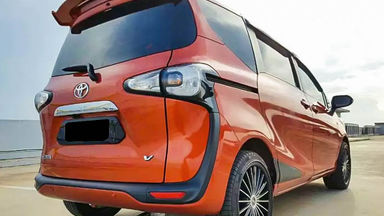 2016 Toyota Sienta V - Mobil Pilihan (s-2)