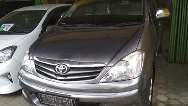 2010 Toyota Kijang Innova Venturer G - Terawat Siap Pakai