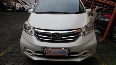 2013 Honda Freed PSD 1.5 AT AC DOUBLE - Barang Istimewa Dan Harga Menarik (s-1)