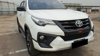 2018 Toyota Fortuner TRD Sportivo Diesel  AT - Mobil Pilihan (s-0)