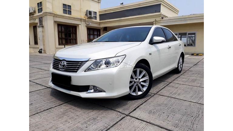 2013 Toyota Camry V 2.5 - Mobil Pilihan (preview-0)