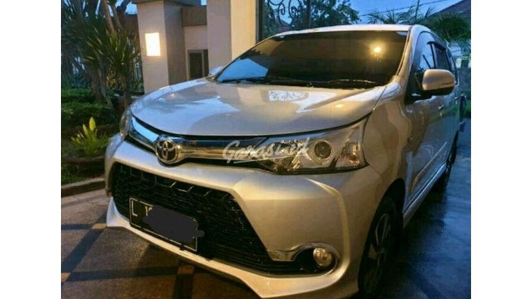 2015 Toyota Avanza 1.5 Veloz - Barang kayak baru cat Ori smua kilometer asli (preview-0)