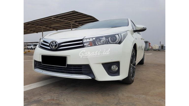 2014 Toyota Corolla Altis 1.8 V - Mobil Pilihan (preview-0)