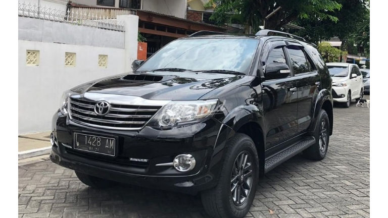 2015 Toyota Fortuner G VNT Diesel Automatic - Pemakaian 2016 Harga NEGO (preview-0)