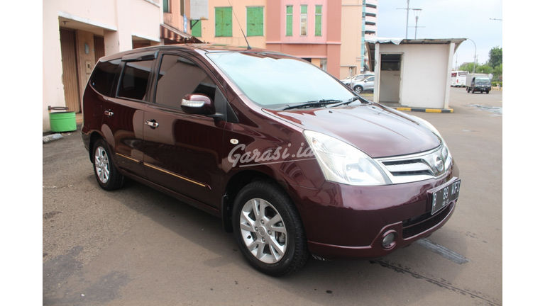 2011 Nissan Grand Livina XV Ultimate - KM rendah barang bagus (preview-0)