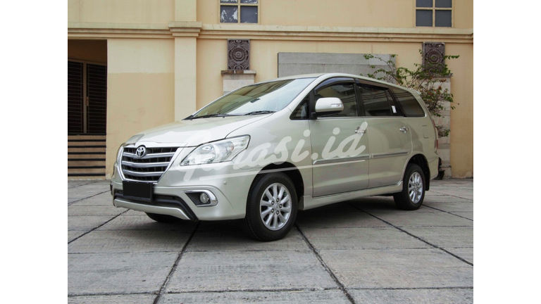 2014 Toyota Kijang Innova Grand New V - Mobil Pilihan (preview-0)