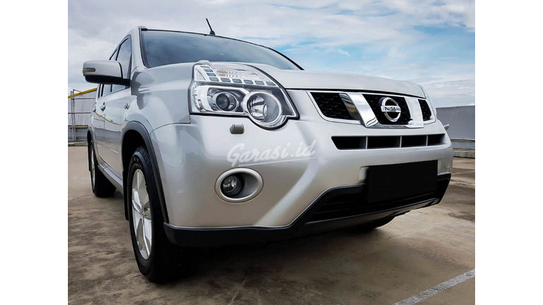 2013 Nissan X-Trail 2.5 AT - Mobil Pilihan (preview-0)