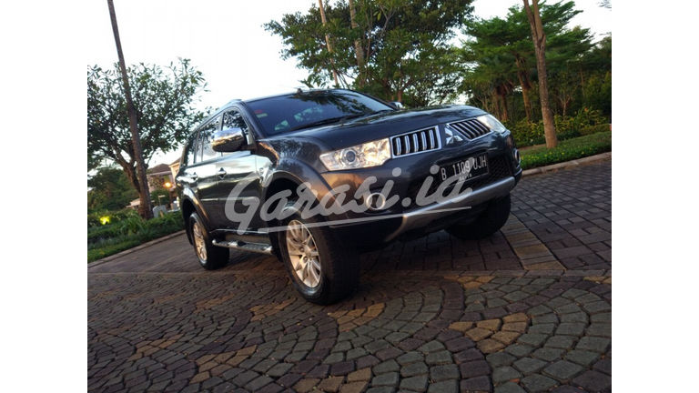 2012 Mitsubishi Pajero Exceed 4x2 Diesel - Istimewa AT (preview-0)