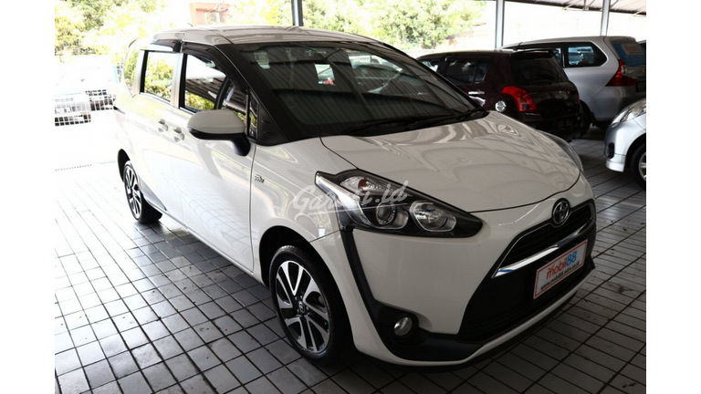 2016 Toyota Sienta v - Harga Bisa Digoyang Like New (preview-0)
