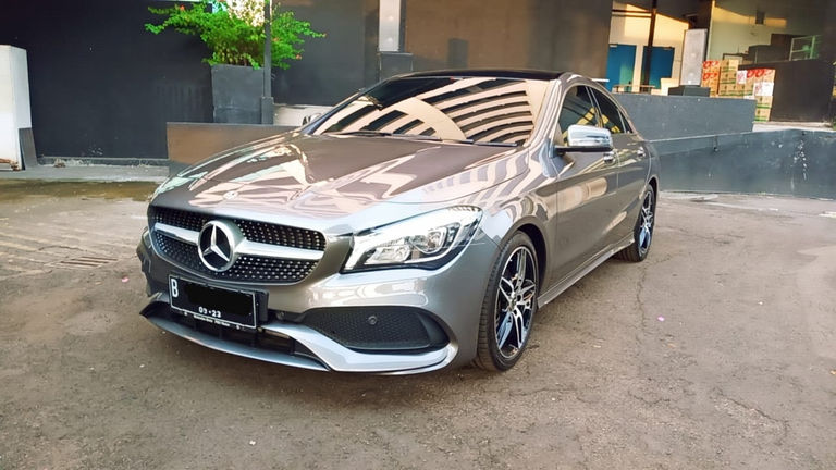 2018 Mercedes Benz CLA 200 Sport AMG - Km Rendah (preview-0)