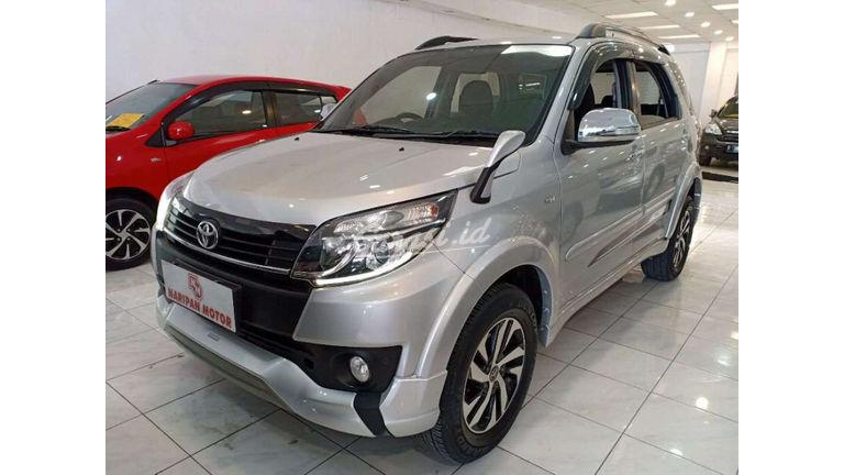 Jual Mobil Bekas 2015 Toyota Rush 1 5 S Trd At Kota Bandung 00ev107