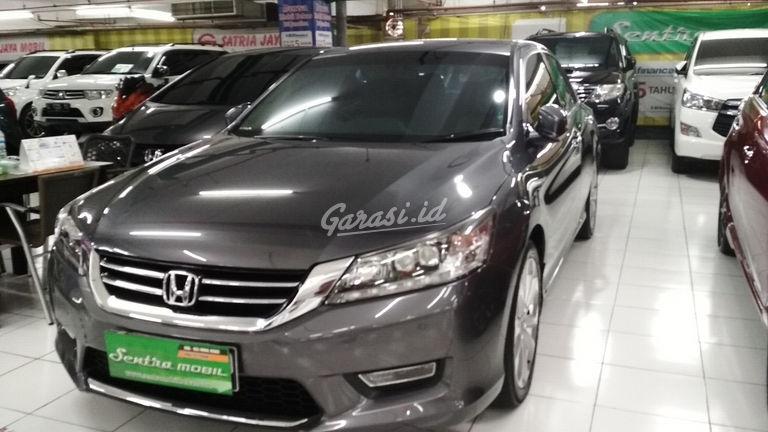 2013 Honda Accord VTIL 2.4 - Low Kilometer (preview-0)
