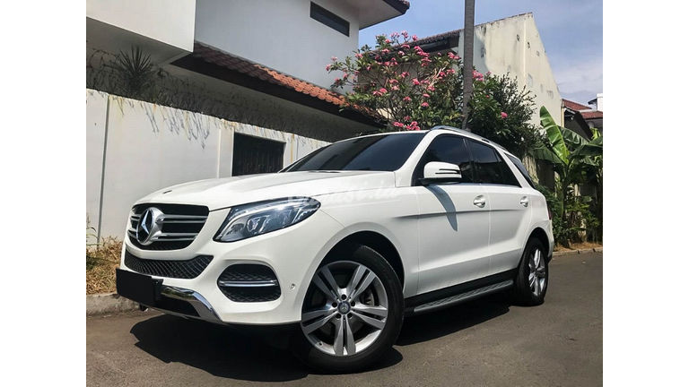 2016 Mercedes Benz GLE 400 Exclusive Line - Mobil Pilihan (preview-0)