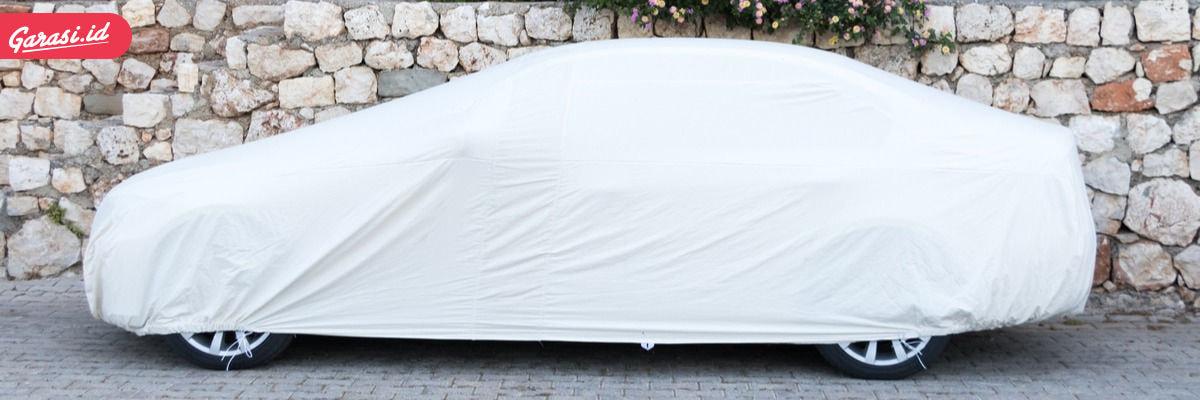 Merawat cat mobil warna putih