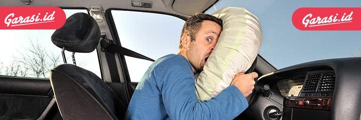 Airbag merupakan salah satu fitur keselamatan penting pada mobil