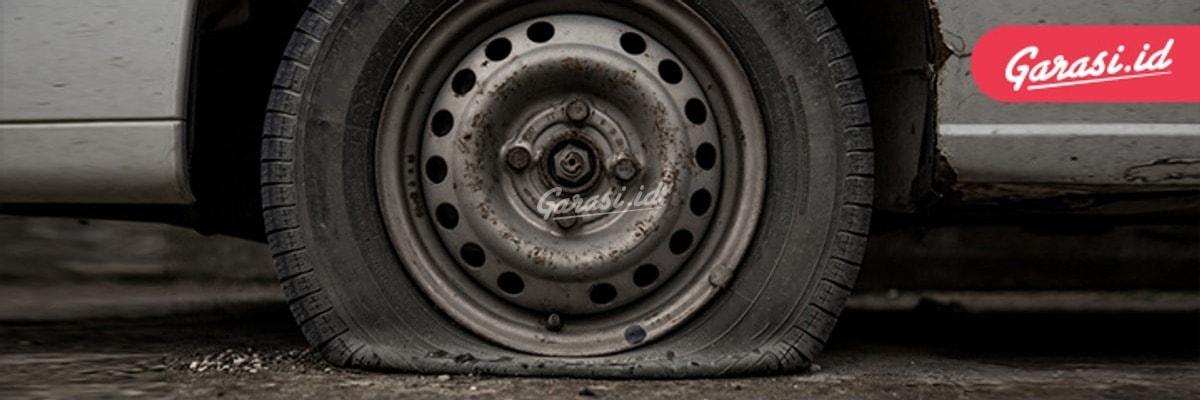 Umur ban bergantung pada cara berkendara dan jalanan yang dilalui oleh mobil