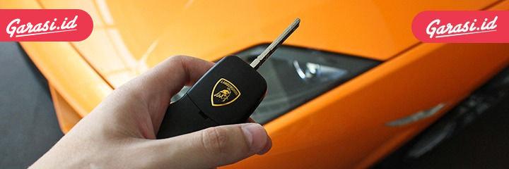 Cara Membuka Pintu Mobil yang Terkunci