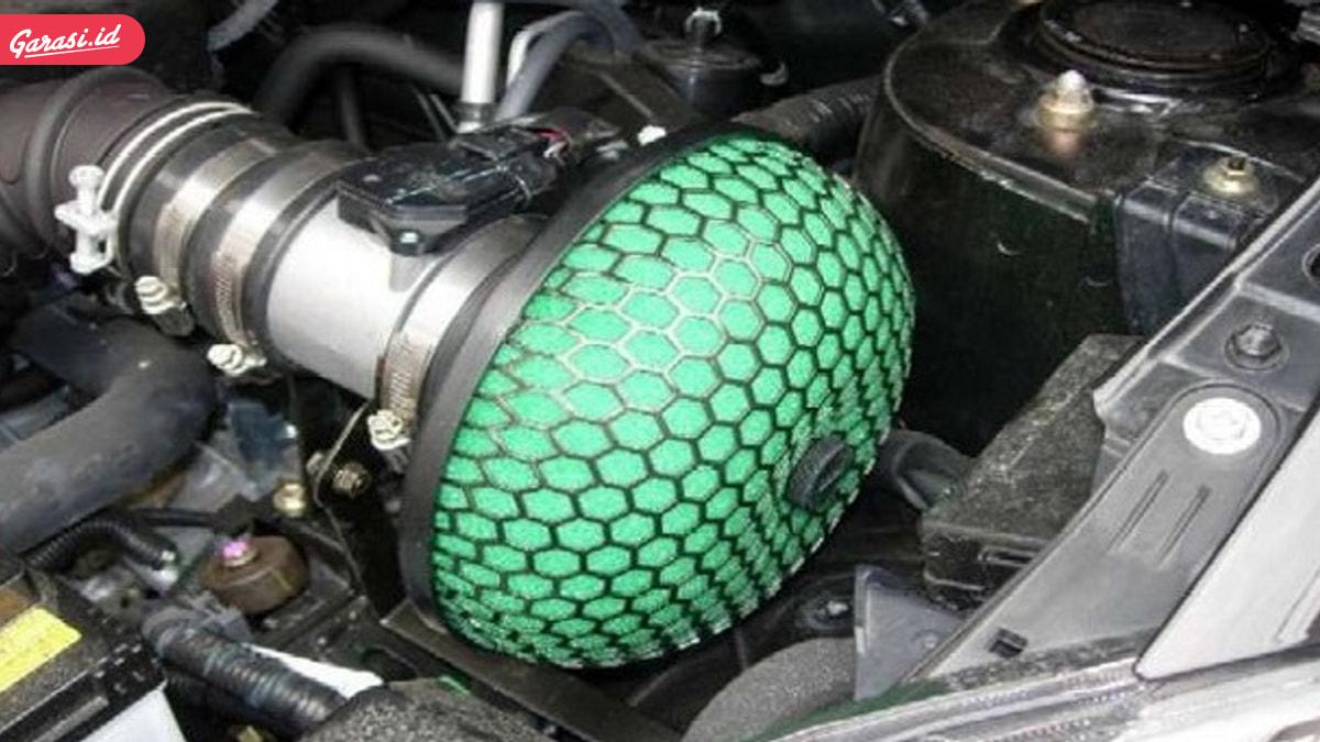8 Tips Mencegah Kebakaran Mobil dan Penanggulangannya