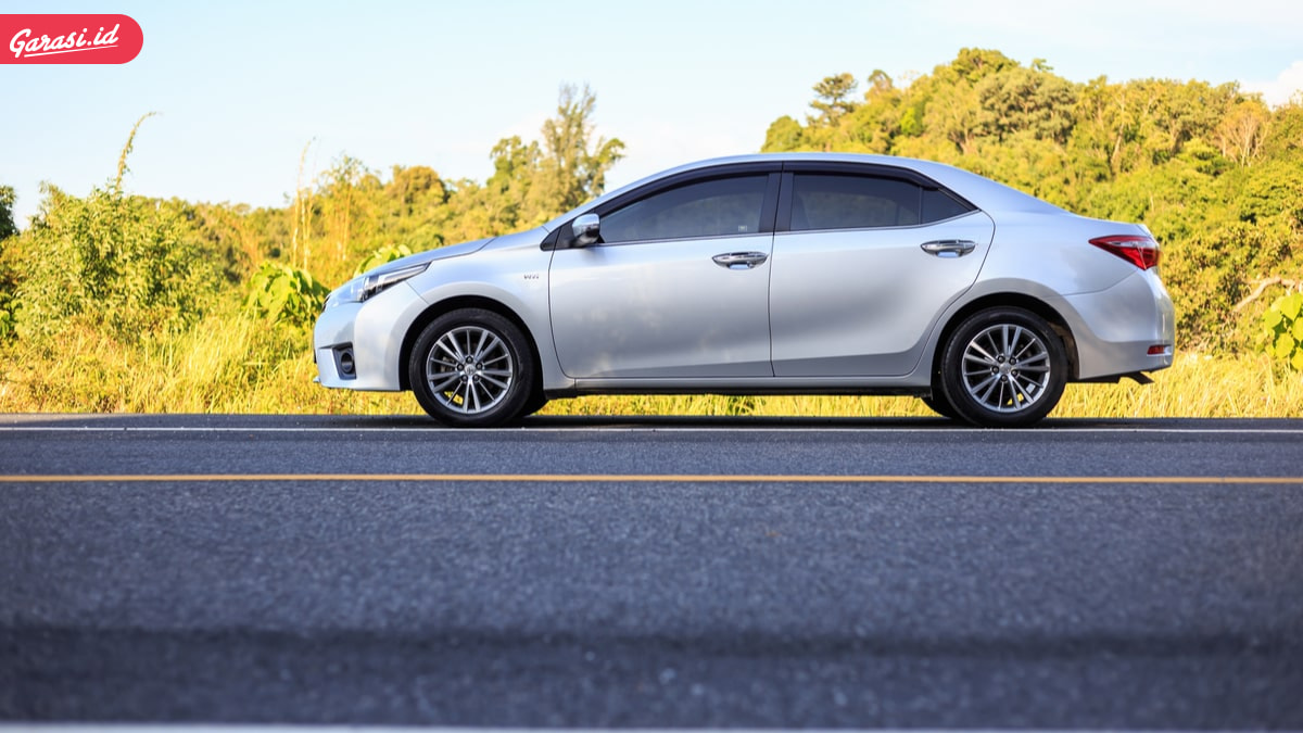 5 Mobil Sedan Bekas Harga 100 Juta yang Banyak Diminati