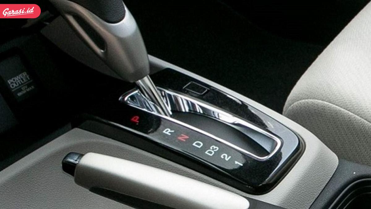 6 Ciri Sistem Transmisi Mobil Matic Kamu Bermasalah!