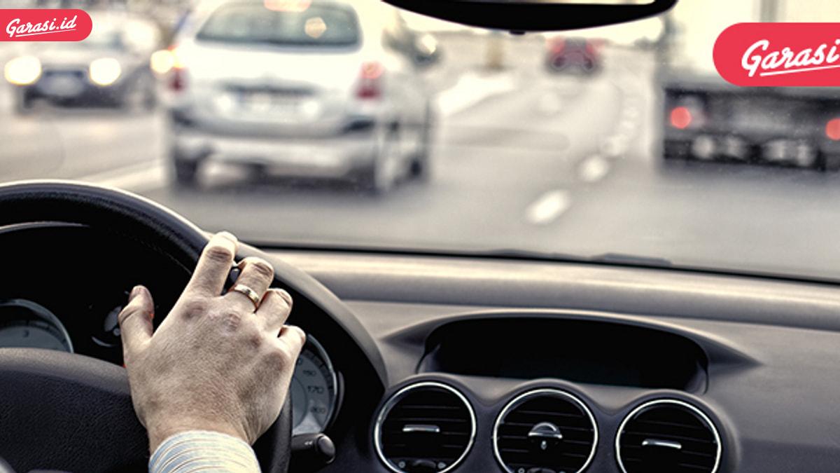 Jangan Hisap Rokok Elektrik di Dalam Mobil, Ini Alasanya