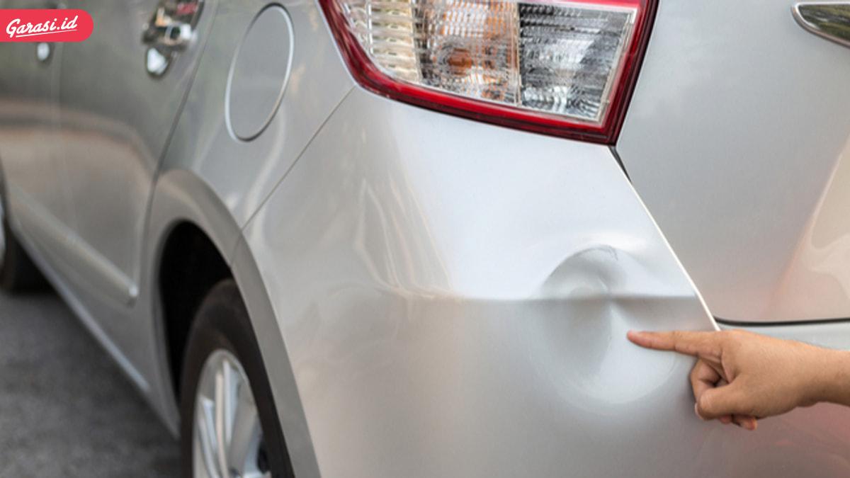 Hilangkan Penyok Ringan Pada Mobil Dengan Cara Ini
