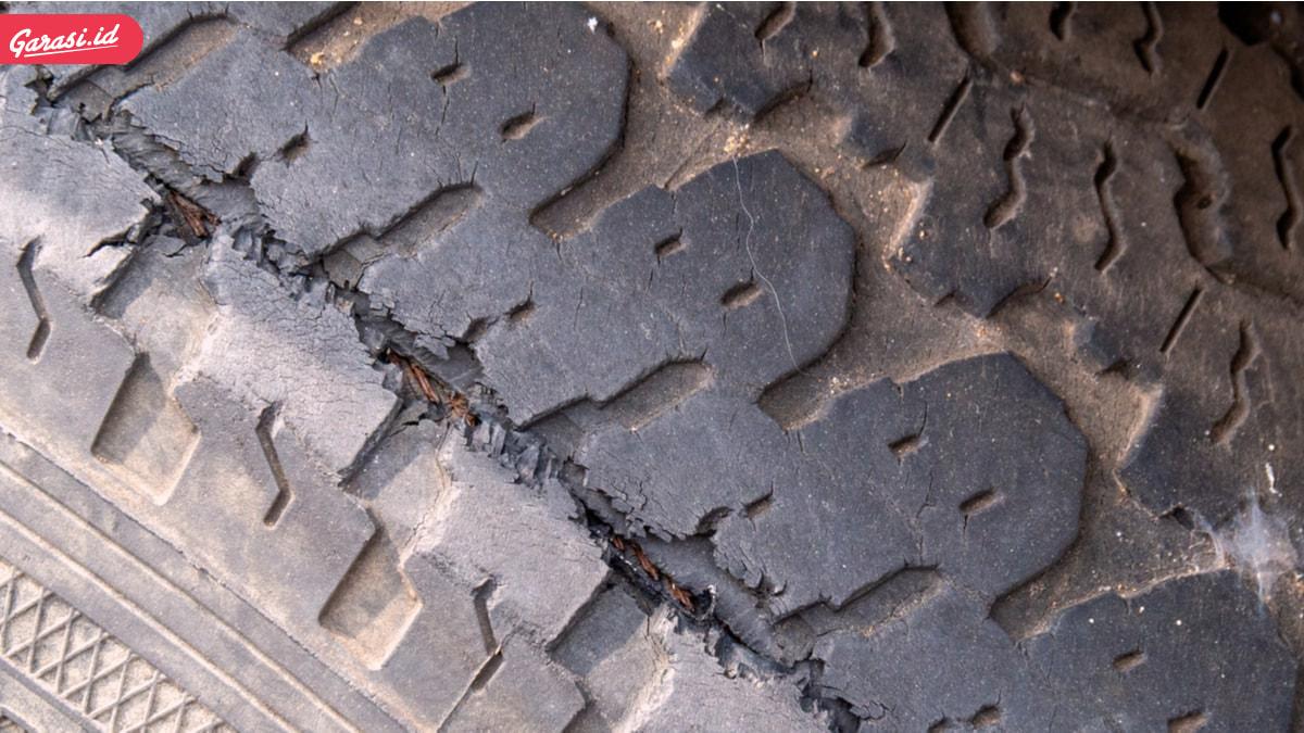 Ban Mobil Kempes Tiba-Tiba Karena Mobil Jarang Digunakan. Mitos atau Fakta?